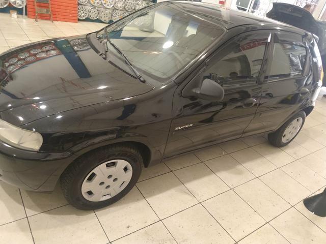 GM celta ano 2003 4 p 1.0 gasolina - Foto 2