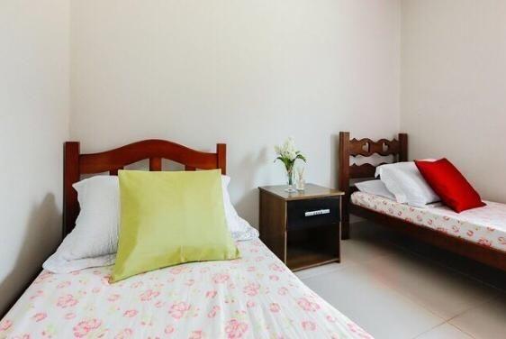 Sobrado 4 Dormitórios, 1 Suíte, Semi mobiliado localizado no Rio Vermelho! * - Foto 19