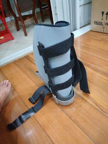 Bota ortopédica robofoot salvapé usada (robocop) - Foto 4