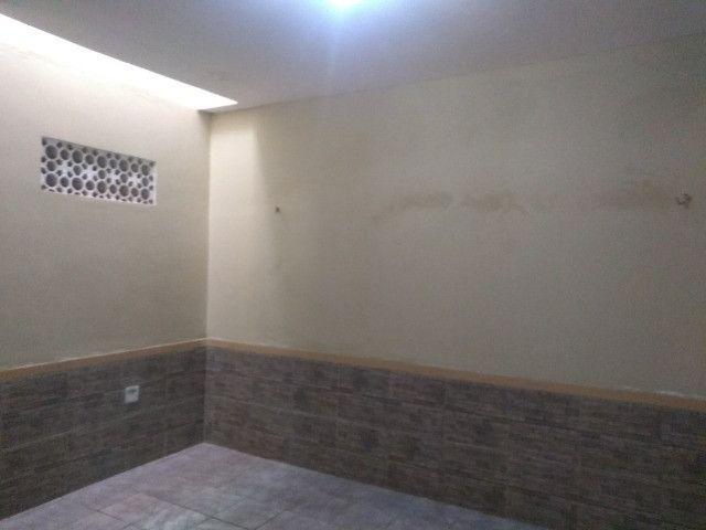 Casa com dois quartos e dois banheiros próximo ao supermercado Ofertão Max - Foto 9