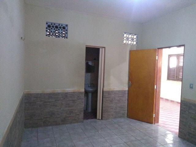 Casa com dois quartos e dois banheiros próximo ao supermercado Ofertão Max - Foto 10