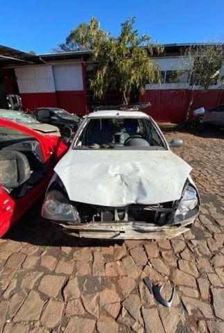 Sucata para retirada de peças- Renault Clio - Foto 4