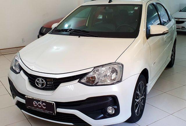 Etios Sedan Platinum 2017 - Foto 13