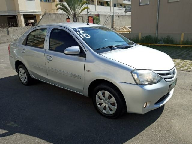 Toyota Etios 2016 29,900 - Foto 2