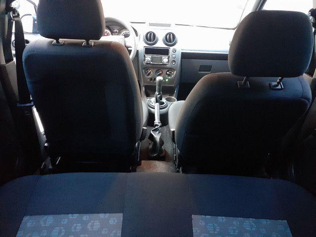 Fiesta 1.0 ano e modelo 2011 completo, IPVA 2021 PAGO - Foto 10