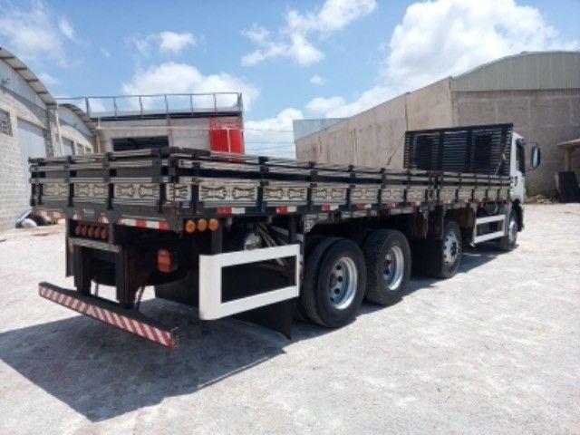Vw-24.250 ano:11/12,branco,bi-truck 8x2,com carroceria de 9 mts,ótimo estado. - Foto 8