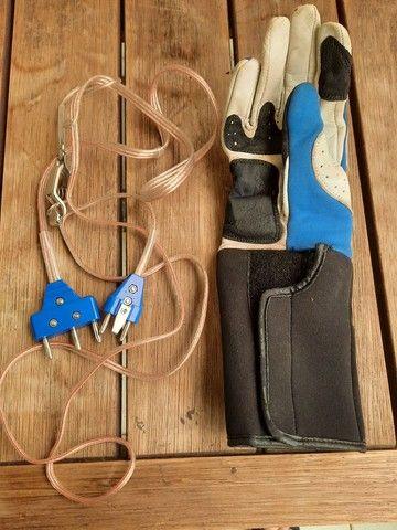 Capacete, luva, colete e conector eletrico de esgrima enfantil - Foto 6