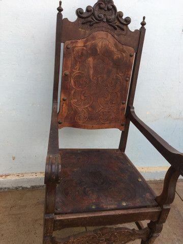 Cadeira Antiga de couro - Foto 3