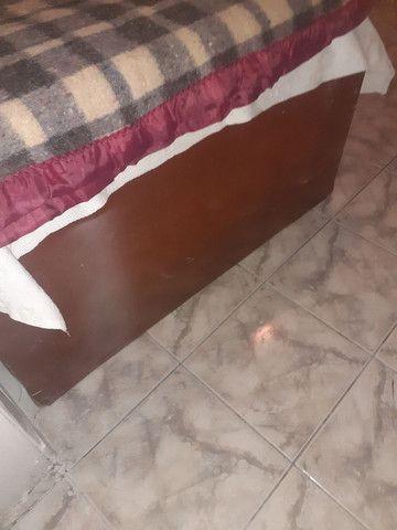 Cama de madeira com colchão, (PECHINCHA) - Foto 2