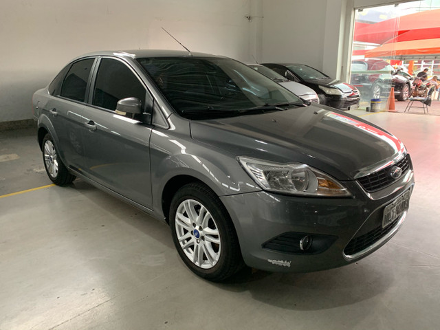 Ford Focus Sedan 2.0 FLEX MANUAL COMPLETO 11/12 - Foto 2