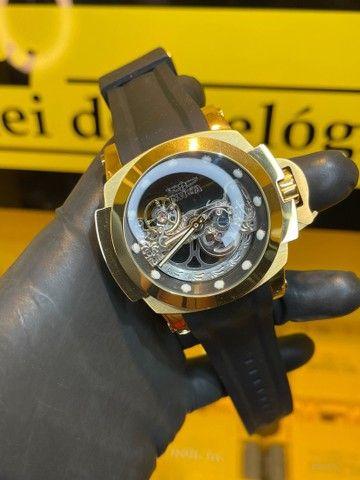 Relógio invicta force detalhe preto transparente