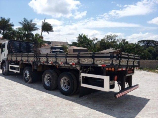 Vw-24.250 ano:11/12,branco,bi-truck 8x2,com carroceria de 9 mts,ótimo estado. - Foto 6