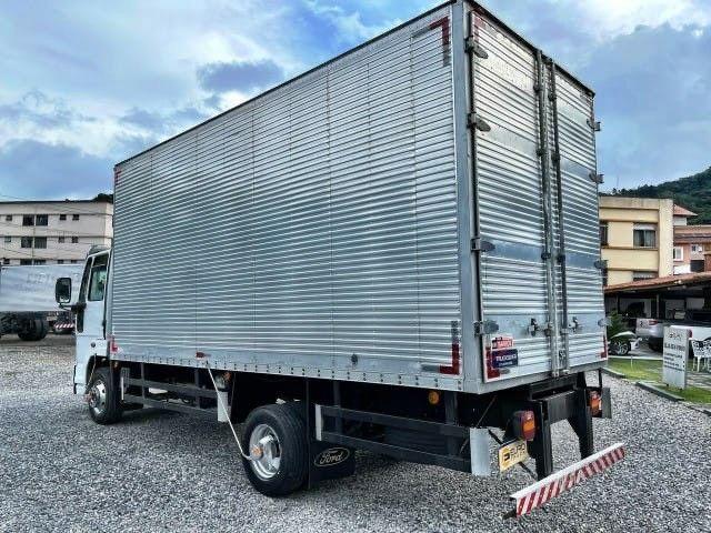 Caminhão FORD Modelo: CARGO 1119 Ano  fabricação : 2014 Ano Modelo: 2015  - Foto 9