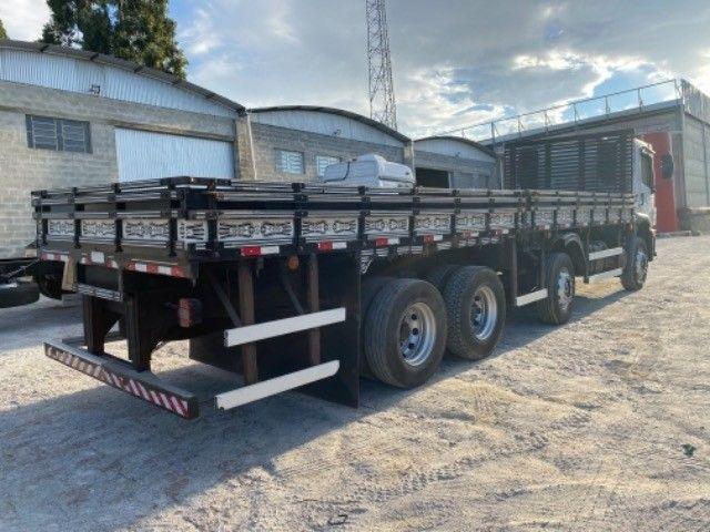 Vw-24.280 ano:13,branco,bi-Truck 8x2,com carroceria de 9 mts,ótimo estado. - Foto 4