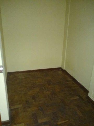 Apartamento Amplo 3 Dormitórios Sendo Uma Suíte - Foto 9