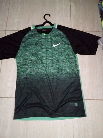 Camisas e bermudas Nike  - Foto 3