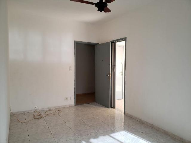 Apartamento 2 Quartos muito bem localizado Largo do Bicão na Vila da Penha - Foto 3