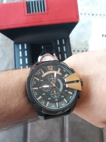 c930e62972c Vendo Relógio Diesel 10bar e relógio Ferrari - Bijouterias