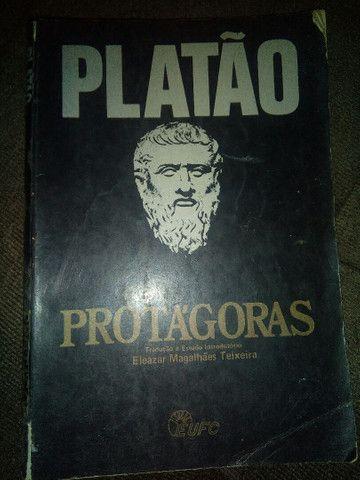 """Livro usado """"Protágoras""""; Platão, com estudo introdutório"""