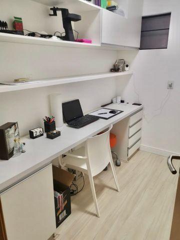 Lindo apartamento todo pronto com varanda gourmet na ponta verde - Foto 10
