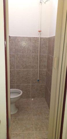 Aluga-se quarto conjugado com cômodo comercial em Franca-SP - Foto 9