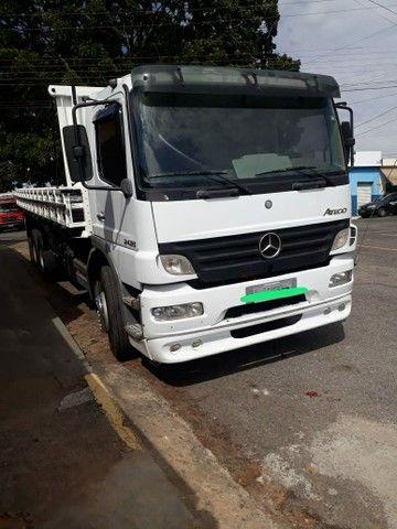 Caminhão carroceria MB Atego 2428 ano2011