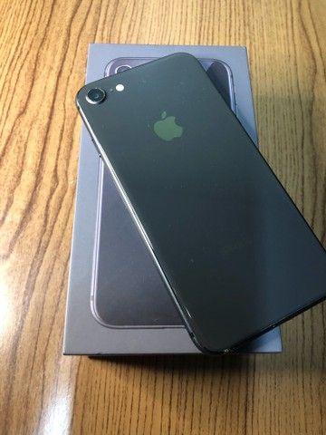 iPhone 8 - 64GB - Seminovo - Foto 2