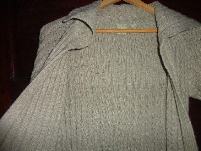 Casaco feminino em lã bege canelado - Foto 5