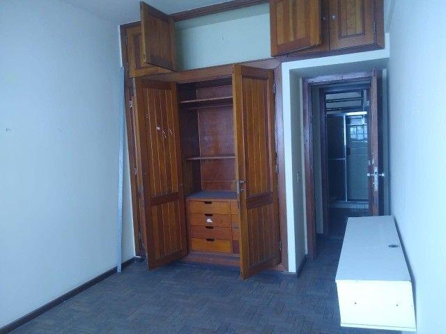 Apartamento Amplo 3 Dormitórios Sendo Uma Suíte - Foto 13