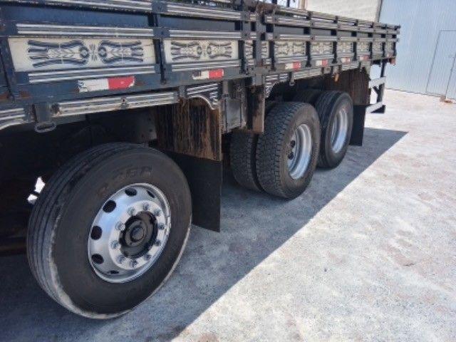 Vw-24.250 ano:11/12,branco,bi-truck 8x2,com carroceria de 9 mts,ótimo estado. - Foto 12