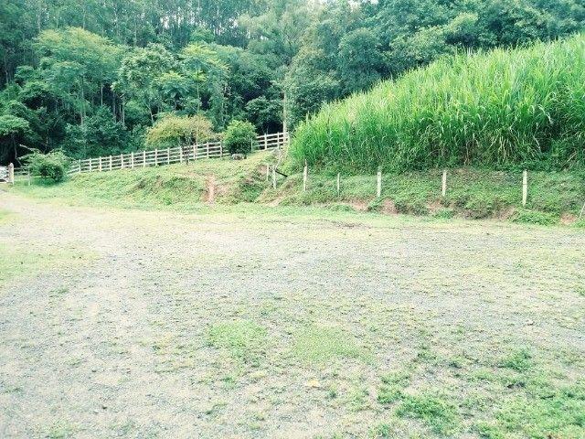 Chácara contendo casa e galpão em Delfim Moreira- Sul de Minas Gerais. - Foto 8