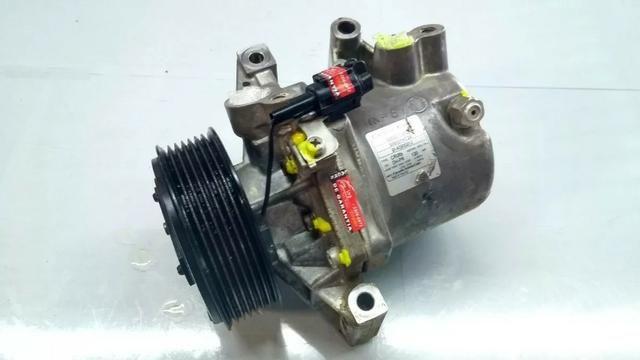 Compressor do ar condicionado Nissan March