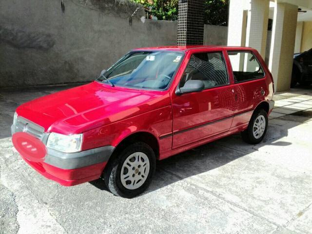 Fiat uno 2012 com ar condicionado