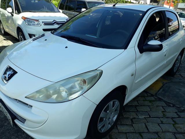 Peugeot 207 2012 / 2012 xr 1.4 completo. aceito carta. financio ate 48 x - Foto 3