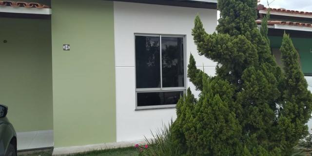Aluguel de casa 3/4 em condomínio fechado no sim