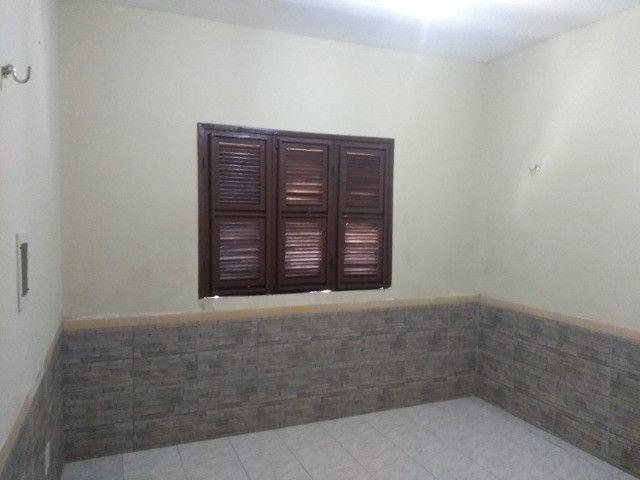 Casa com dois quartos e dois banheiros próximo ao supermercado Ofertão Max - Foto 4