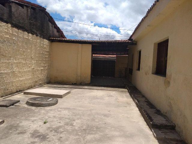 Casa com dois quartos e dois banheiros próximo ao supermercado Ofertão Max - Foto 19