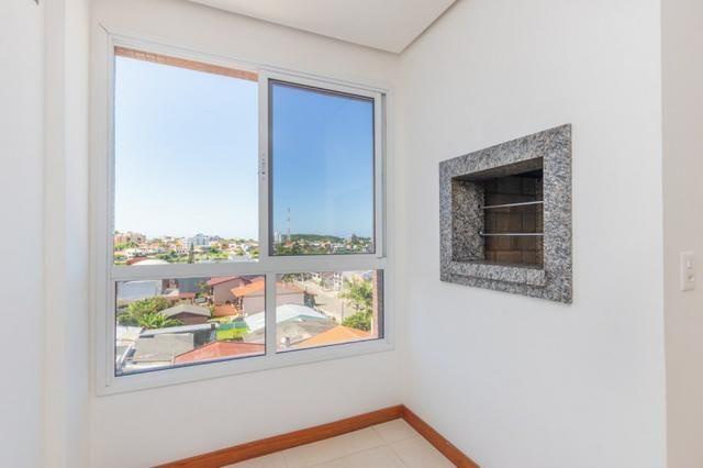 Apartamento novo em Torres de três dormitórios sendo um suíte - Foto 14