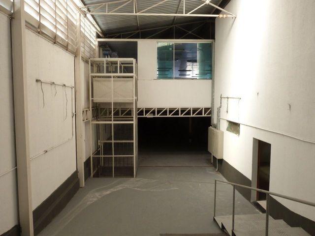 Elevador de Carga 2.000 kg com estrutura - Foto 5