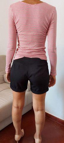 Calça jeans Siberian, blusa tricô preta, bermuda alfaiataria, camiseta forever 21  - Foto 2