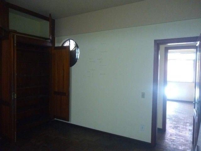Apartamento Amplo 3 Dormitórios Sendo Uma Suíte - Foto 8
