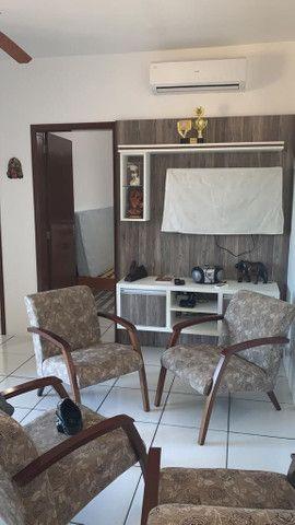 Apartamento dois dormitórios  com garagem totalmente  imobiliado e ar condicionado - Foto 2