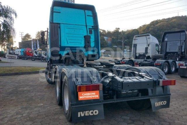 Iveco Hi Way 600S44 6X2, ano 2018/2019 - Foto 5