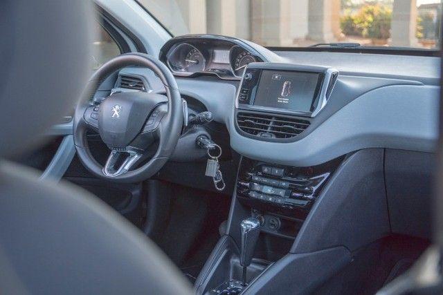 Peugeot 208 - Foto 12