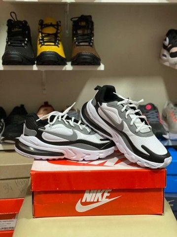 Nike React  - Foto 3