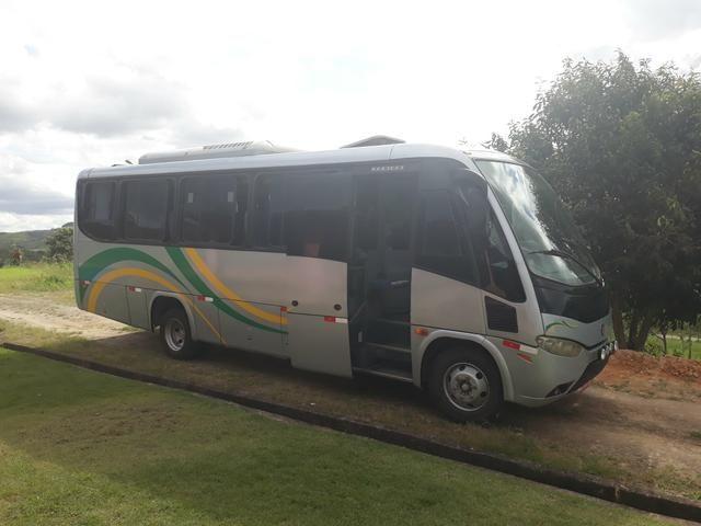 Microonibus mb lo 915 7 marcha