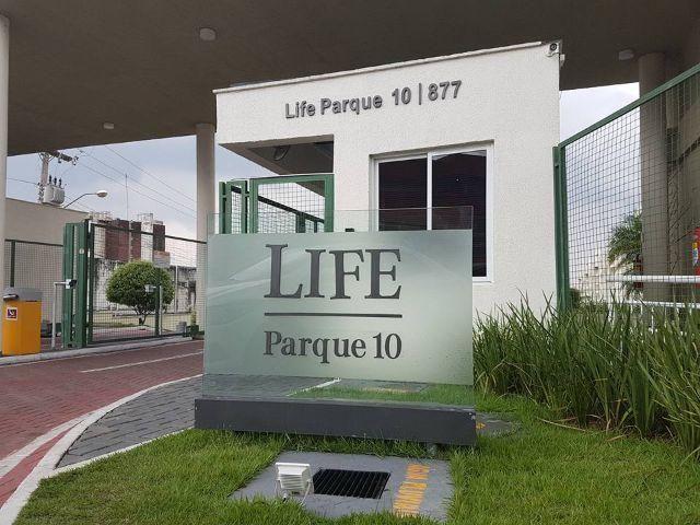 Apartº. no Parq. Dez, de 03 quartos sendo 01 suite no Life Parque Dez(Splits e modulado)