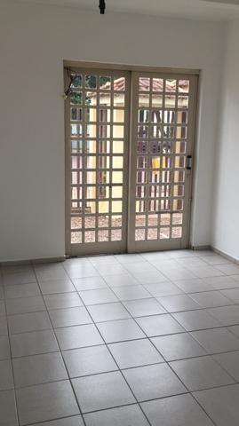 Alugo apartamento no centro - Foto 2