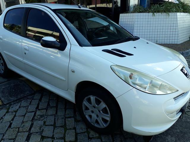 Peugeot 207 2012 / 2012 xr 1.4 completo. aceito carta. financio ate 48 x