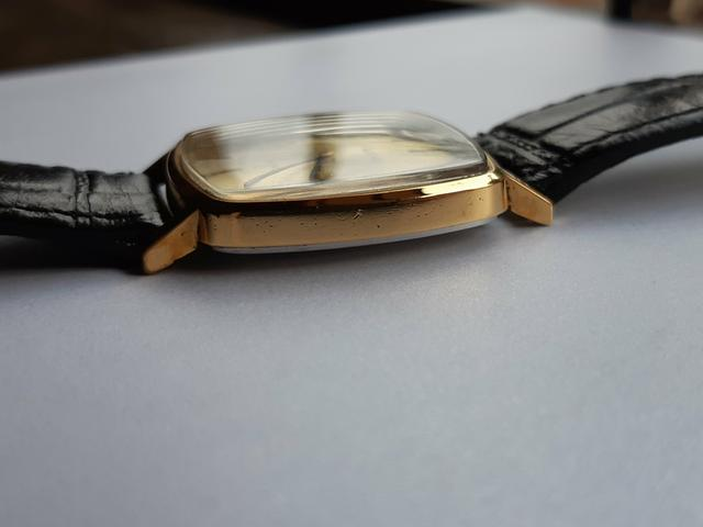 33d323bbe1e Relógio Omega De Ville Plaquê de ouro à corda manual antigo masculino